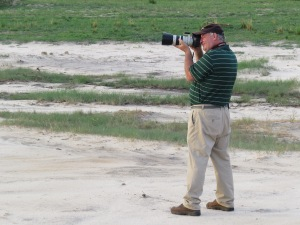 Kev Solomon doing what he really enjoys. Photographing finches wherever he can. Photo Eelco Meyjes